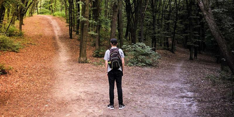 4 کتاب برای جلوگیری از تصمیمگیری اشتباه